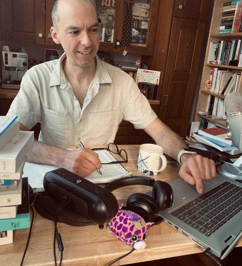 Photo d'Olivier Charbonneau dans son atelier